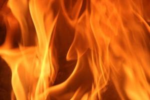 Poele-de-masse-flamme